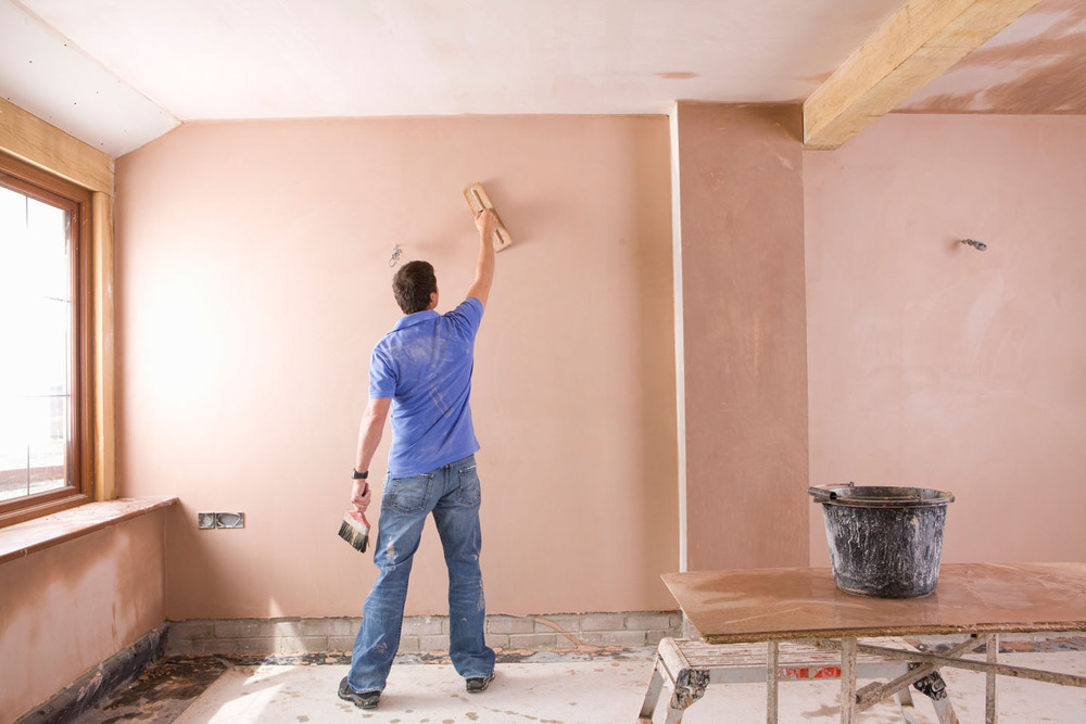 Our plasterer in Hinckley specialises in traditional wet plastering